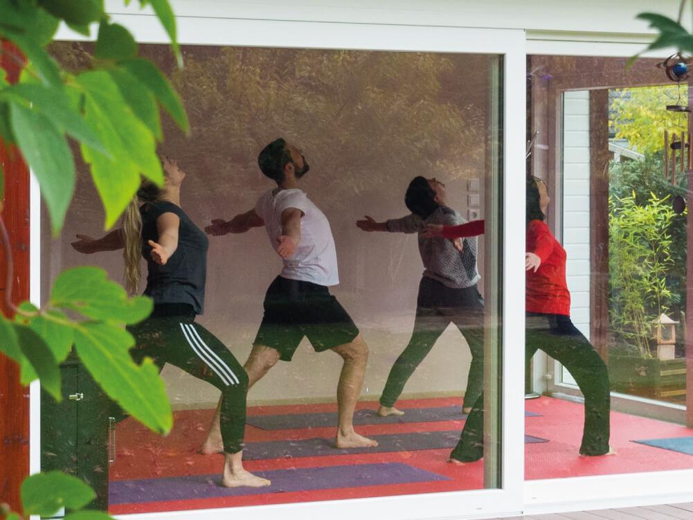 Am besten in Lingen Yoga-Unterricht nehmen.