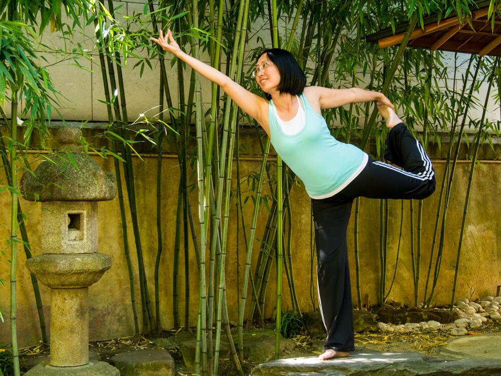Minh Thu Brüggemann unterrichtet J-Yoga Lingen im Emsland.