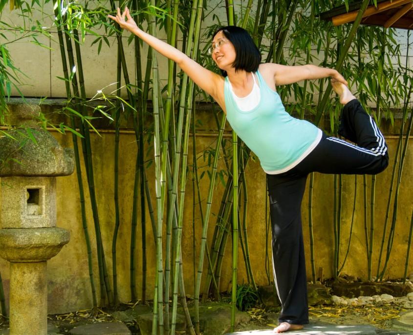 Minh Thu Brüggemann aus Lingen macht guten Yoga-Unterricht in Damaschke.